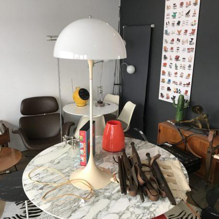 Lampadaire panthella de verner panton – années 70