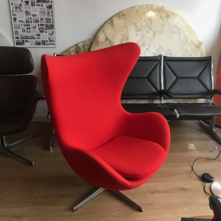 V Authentique fauteuil Egg Jacobsen Fritz Hansen