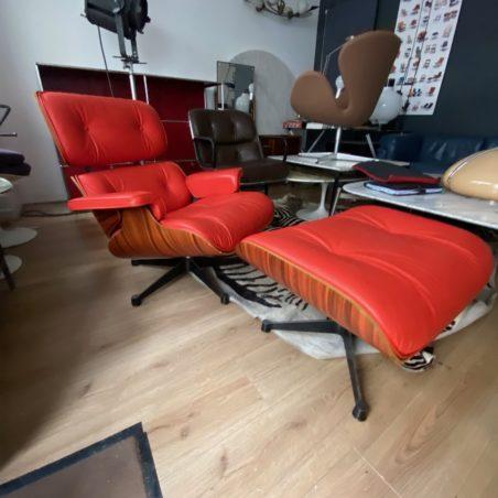 Lounge Chair avec repose pieds en cuir et palissandre édition Vitra Récente