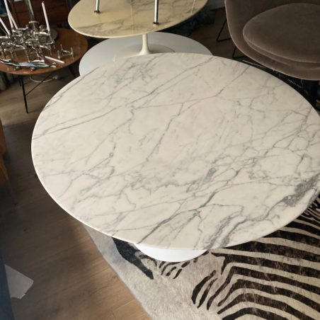 V Table Saarinen Knoll international 107cm