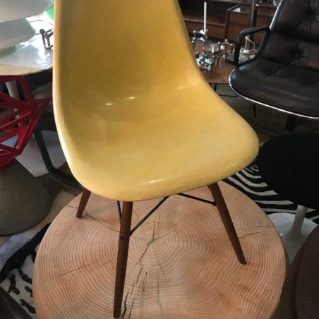 Chaises DSW Charles Eames en fibre de verre par Herman Miller