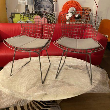 Paire de chaises Bertoia Knoll. Rare version grise qui n'est plus éditée