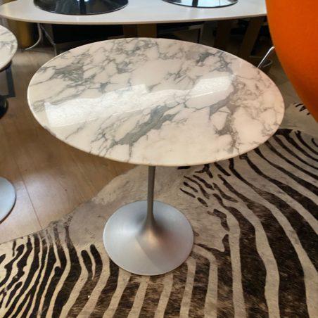 Guéridon Eero Saarinen plateau marbre Arabescato édition Knoll
